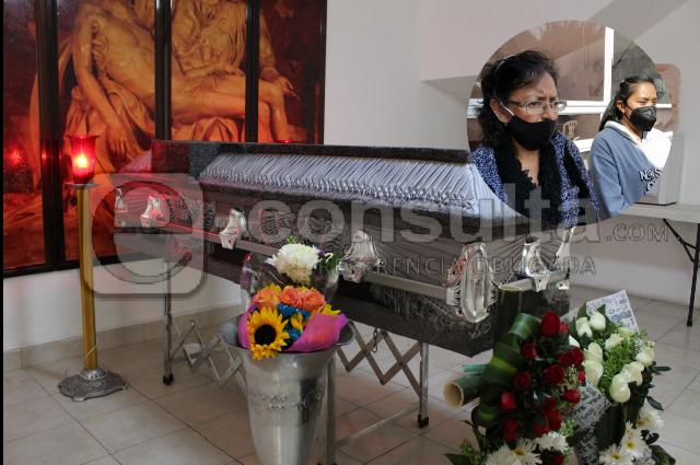 Empresa amenaza a familia de guardia asesinado en Oxxo de Puebla