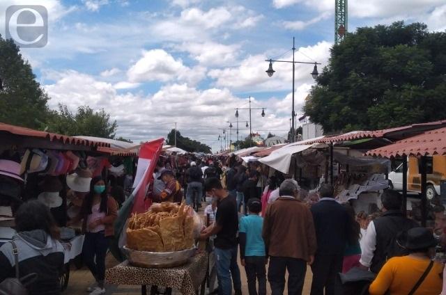 Hay aglomeraciones en feria de Cholula sin importar el covid