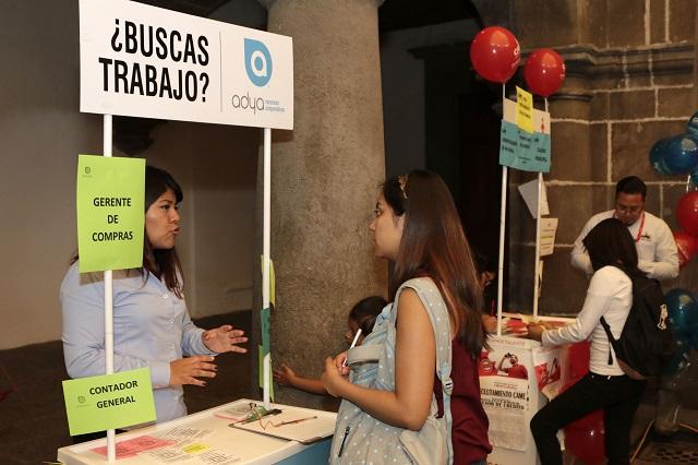 Trabajan sin contrato 7 de cada 10 empleados en Puebla: Coneval