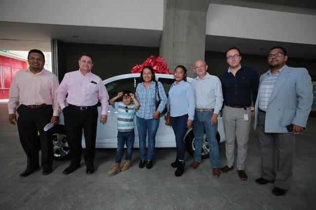 Feria de Puebla 2019 entrega automóvil último modelo