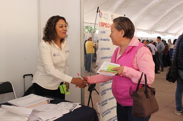 Primera feria de empleo turística en el Centro de Convenciones