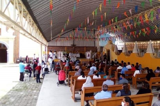 Organizan festejo religioso masivo en Malacatepec, pese a pandemia