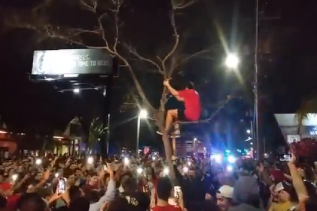 Festejos en Tampa por Super Bowl destacan por CERO medidas sanitarias