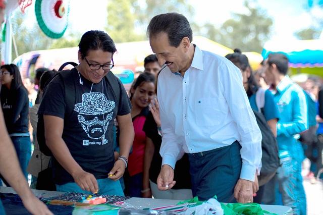 Celebran Rector Y Estudiantes Buap Fiestas Patrias En Ciudad