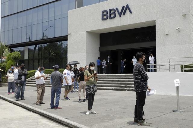 Bancos en México despiden a 9 mil empleados por la pandemia