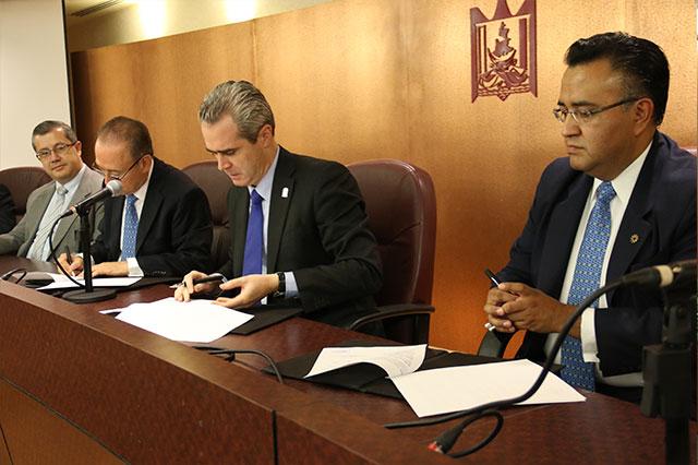 UPAEP firma convenio de colaboración con el Colegio de Contadores
