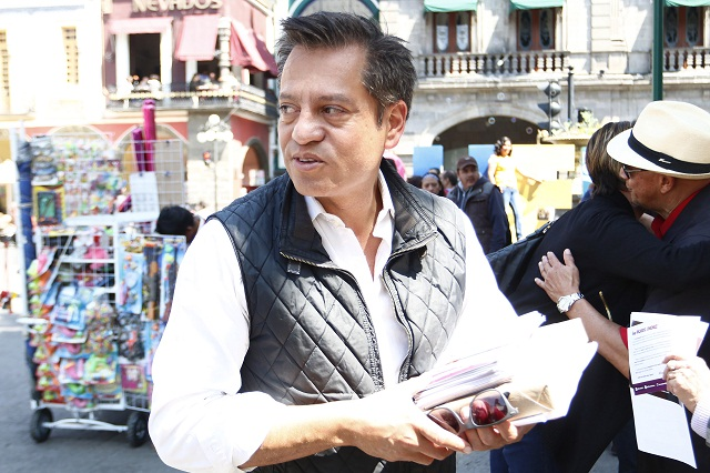 Gasta Ricardo Jiménez 1.5 mdp para obtener firmas de respaldo