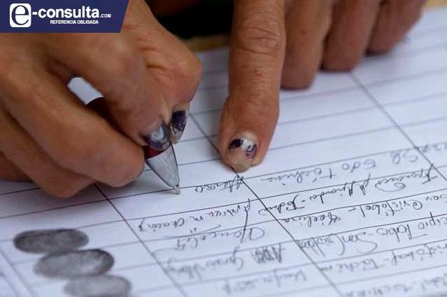 Le exigen 39 mil firmas para ser candidata independiente