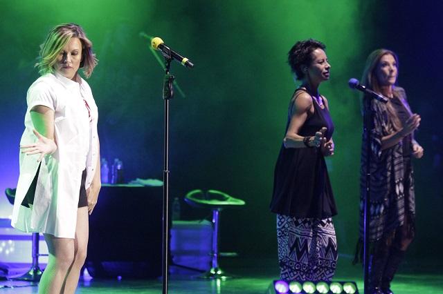 Operan de las cuerdas vocales a integrante del grupo Flans