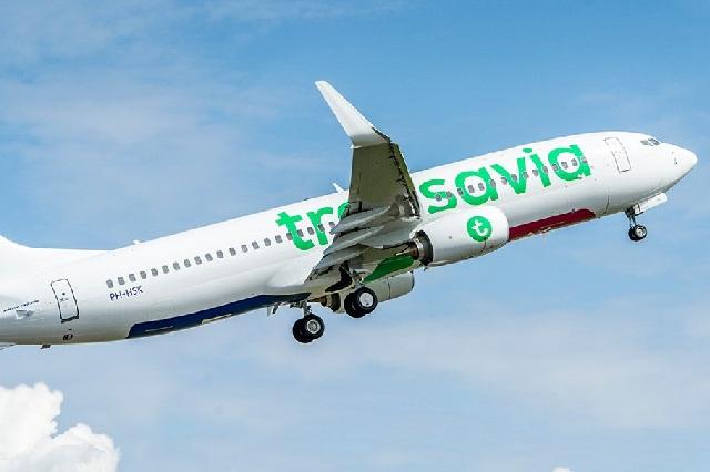 Pasajero con flatulencias desata pelea y avión aterriza de emergencia