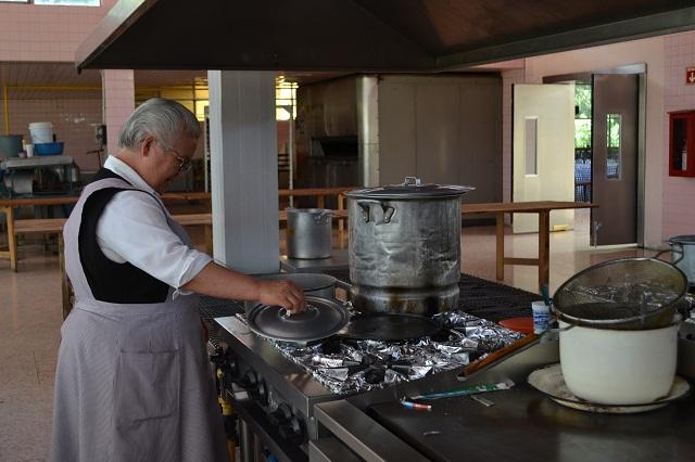Busca monja poblana ganar 1 mdp para salvar a su congregación