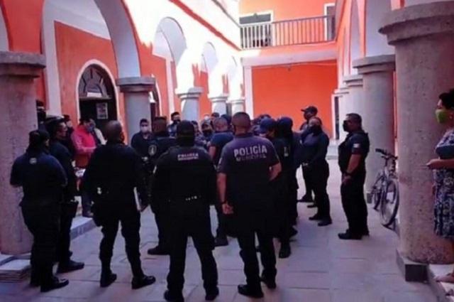 Policías de Ajalpan detienen a candidato del PES y lo amenazan