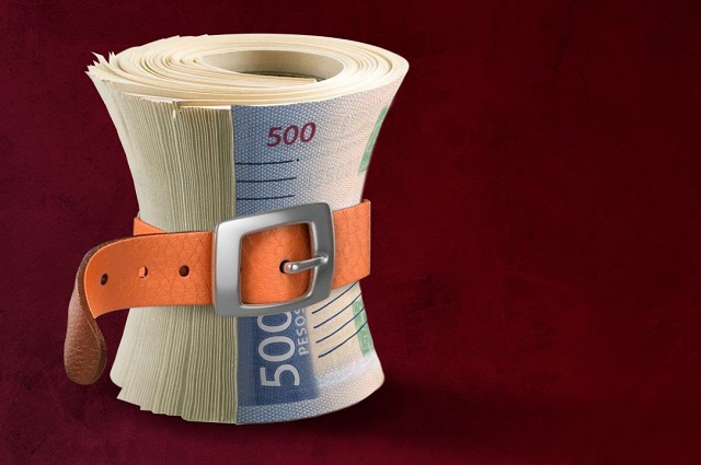 Gobierno federal no cumple su propio decreto de austeridad