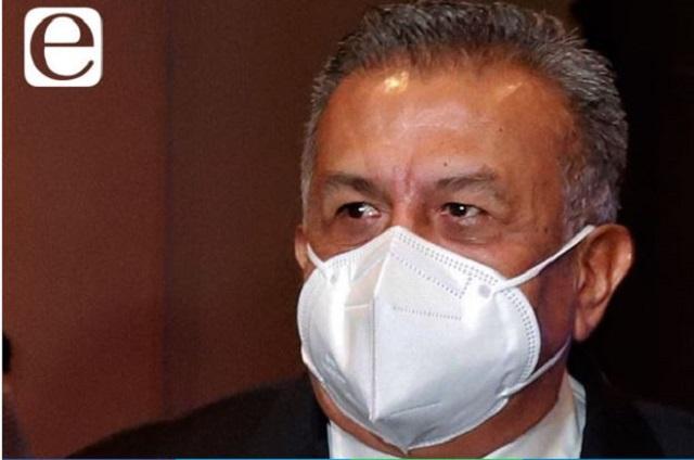Calla Saúl Huerta ante petición de que lo expulsen de Morena