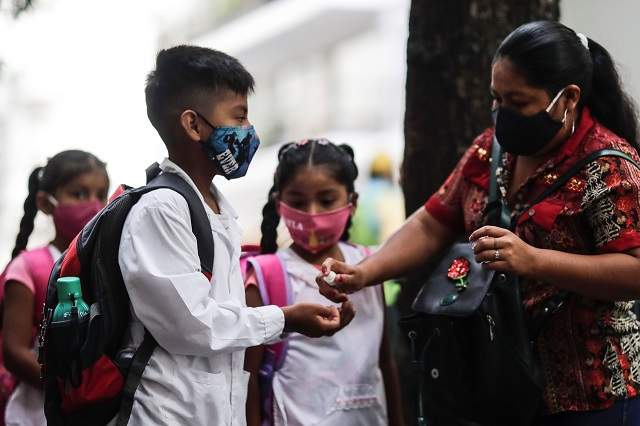 Regresa Campeche a clases; docentes piden segunda vacuna