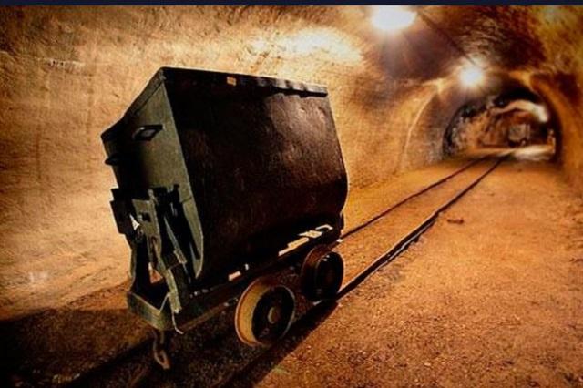Mineras ganan millonada pero impuestos del sector caen 50%