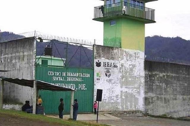 Reo en penal de Huauchinango se desmaya y muere