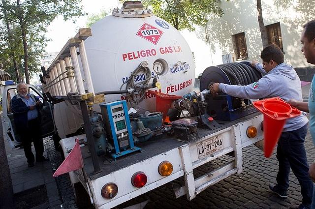 Gaseras venden 25 por ciento más caro en municipios de Puebla