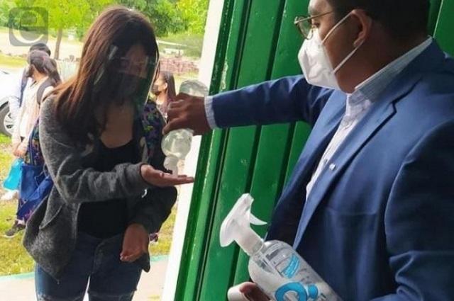 Confirma SEP dos casos de covid en escuelas de Puebla