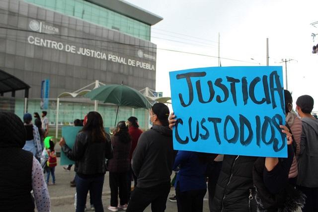 Bloquean otra vez la 11 sur en defensa de custodios detenidos