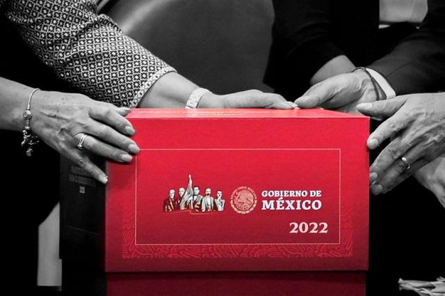 Paquete 2022 apoyará programas sociales y recortará a INE y otros