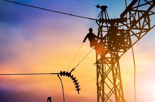 Revocan suspensiones contra la ley de reforma eléctrica