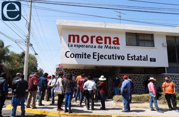Denuncias penales y expulsión por tomar sede de Morena
