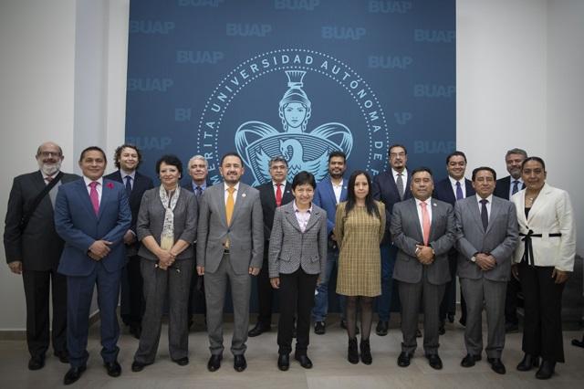 Nombra Lilia Cedillo a los principales funcionarios de la BUAP