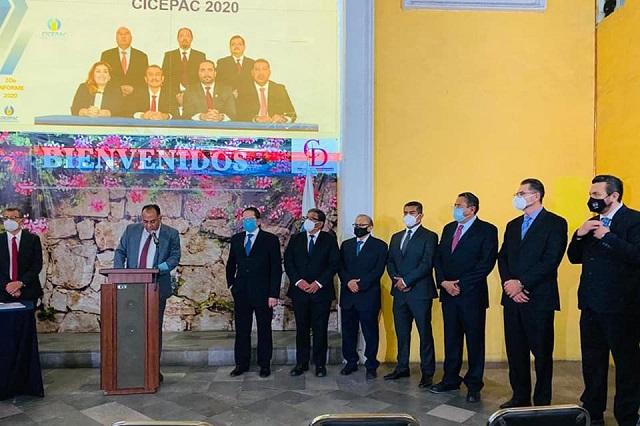 Toma protesta nueva dirigencia del Colegio de Ingenieros de Puebla
