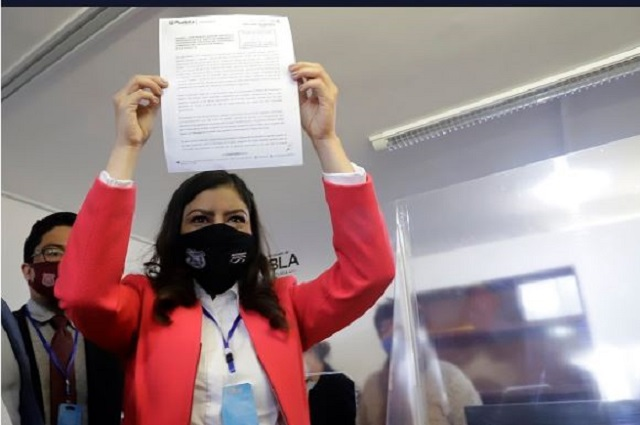 Medios concentran críticas en comité de adquisiciones de Rivera