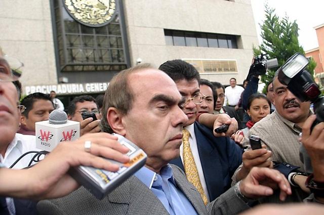 Orden de aprehensión contra Kamel Nacif está vigente: abogados