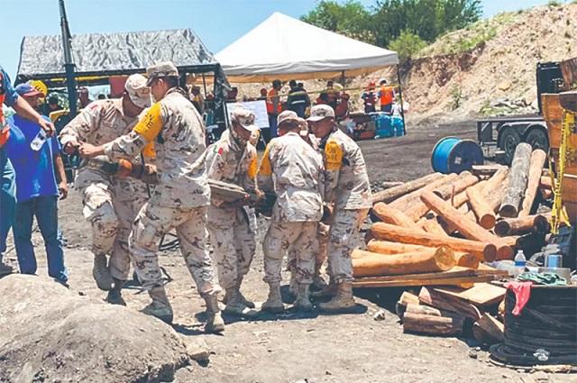 Esperan rescatar vivos a tres de los mineros de Múzquiz, Coahuila