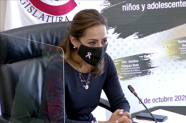 Vázquez Mota acusa a Fox y Calderón de violencia de género