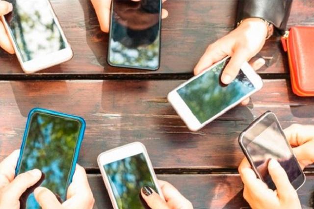 Va a controversia IFT contra padrón de telefonía móvil