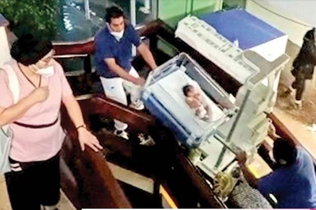 Rescatan a recién nacidos de inundacion en hospital de Atizapan