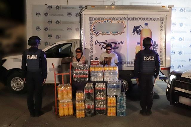 Los atrapan en Puebla con camioneta y mercancía robadas