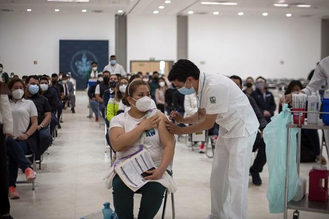 Vacunan a 2 mil personas por hora en CU contra Covid
