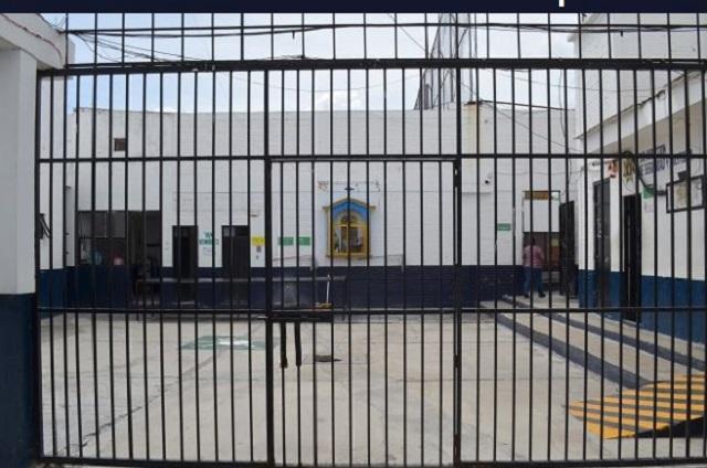 Sale Mario Marín de la cárcel para una revisión médica