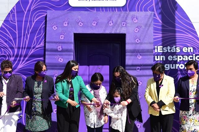 Inauguran Puerta Violeta para mujeres víctimas de violencia