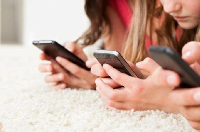 Va Morena porque el IFT regule las redes sociales