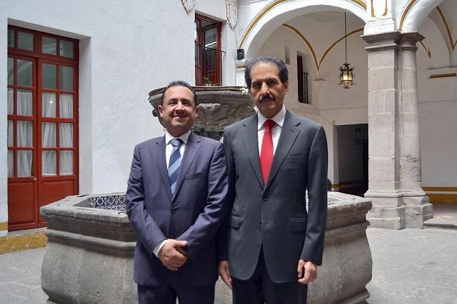 Nombran a José Carlos Bernal secretario general de la BUAP
