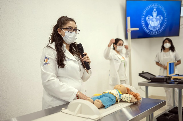 Acreditan CIEES Licenciatura en Medicina BUAP Regional Sur