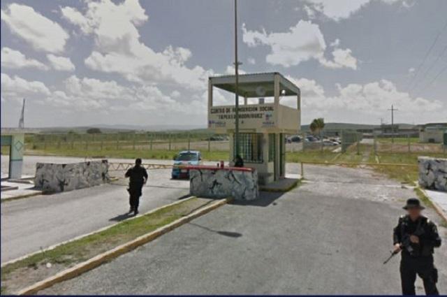 Detienen a custodios por tortura en Cereso de Tepexi