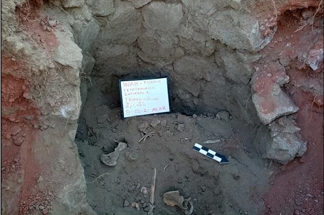 Cerca de Cantona hallan excepcional tumba prehispánica
