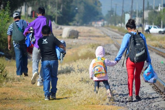Por desempleo y violencia, más mexicanos buscan irse a EU