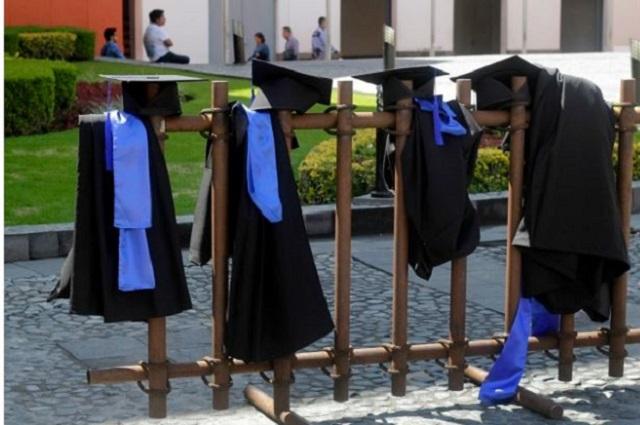 Iniciativa de ley de educación superior, contra Revoes vitalicios