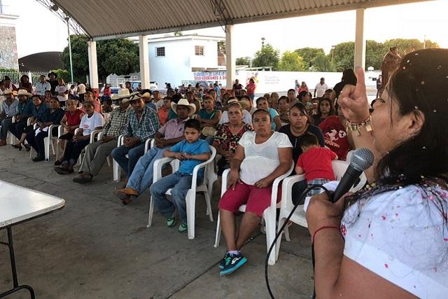 Gestionar fondos para reconstrucción en Chiautla, ofrece Maritza Marín