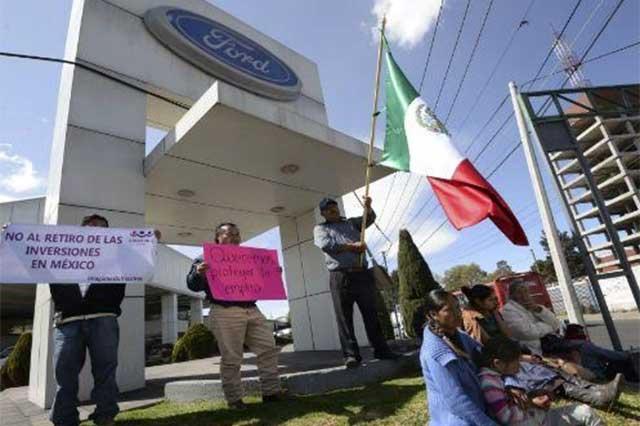 Pierde Ford 200 mdd por cancelar construcción de planta en México