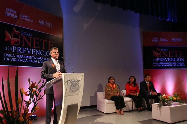 Aplica SMDIF programas para erradicar violencia contra mujeres