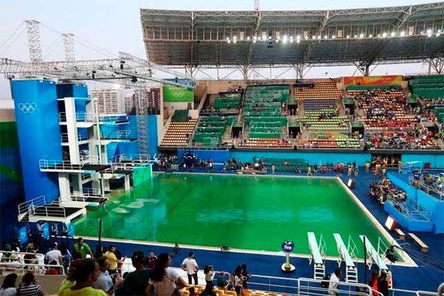 Polémica por tono verdoso en fosa de clavados en Juegos Olímpicos de Río